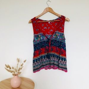 Really cute patterned sleeveless top